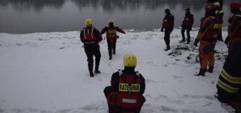 Zimowe ćwiczenia ratownictwa wodnego